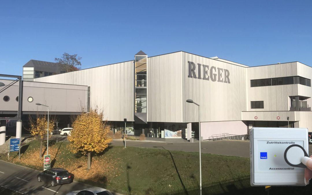 zentrale Zugangssteuerung bei Möbel-Rieger